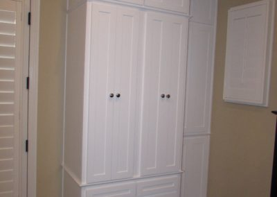 White Maple Guestroom wardrobe with bottom dresser drawers