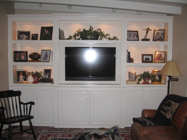 White lacquer built in bookshelves in Tustin, CA