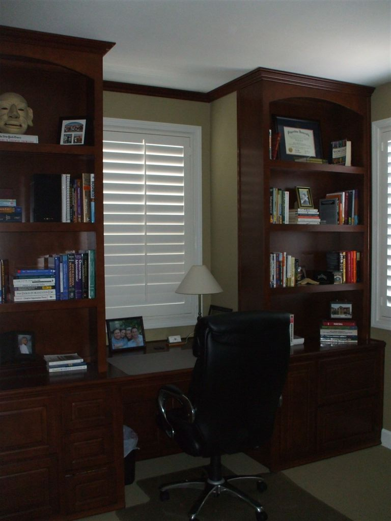 Custom library and home office 16 c l design for Custom home library design