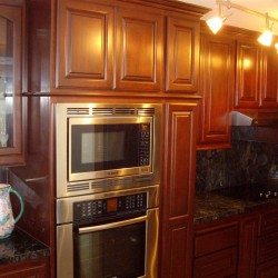 Kitchen cabinets come in a variety of styles and colors. We install in Orange County!
