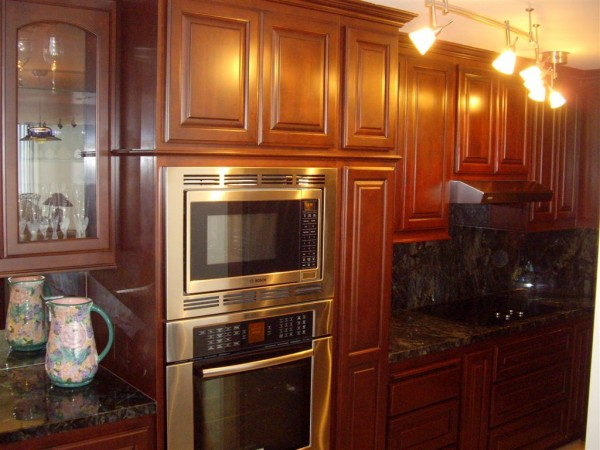 Kitchen Cabinets Come In A Variety Of Styles And Colors We Install In Orange County C L