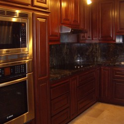 New kitchen cabinets give you entire kitchen a new look. Get a kitchen cabinets quote.