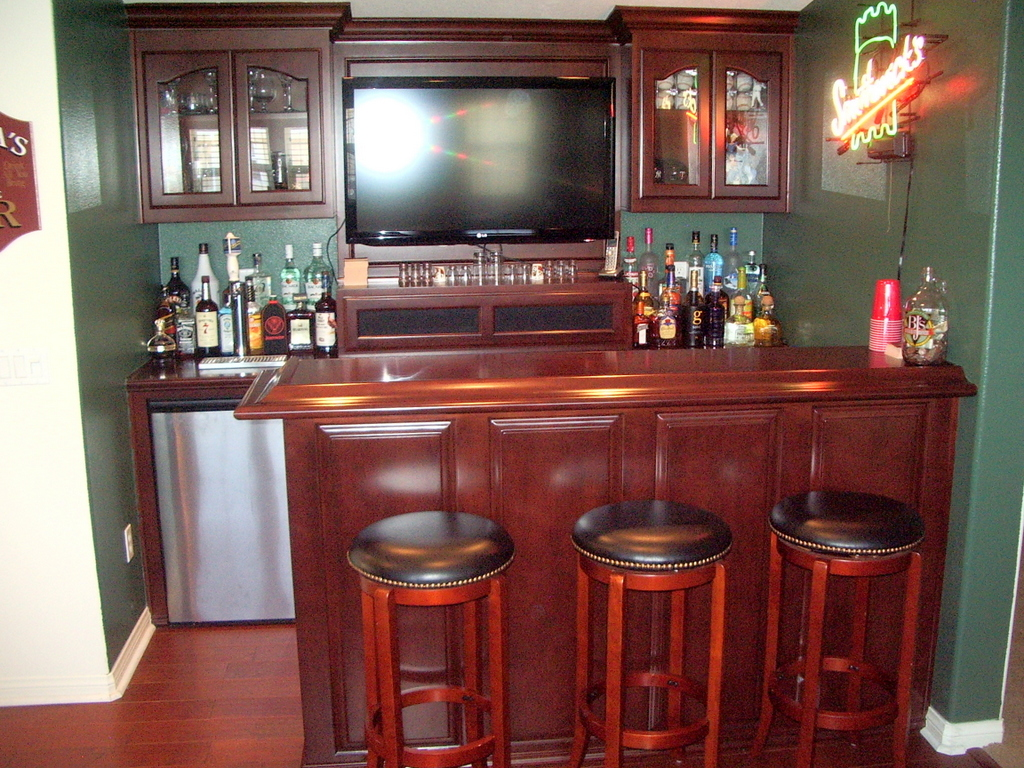Custom Home Bars And Wine Storage Cabinets