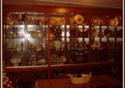 custom-home-bar-cabinets-11