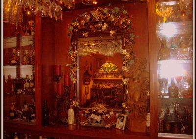 custom-home-bar-cabinets-14