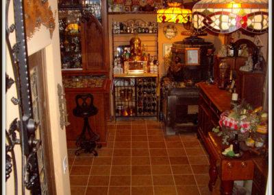custom-home-bar-cabinets-2