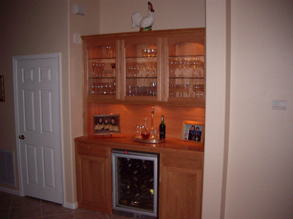 Get a custom home bar and built in wine storage cabinet - Bar cabinets for home ...