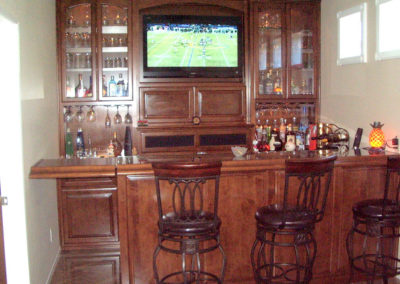 custom-home-bar-cabinets-38