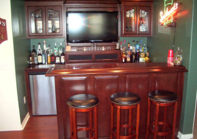 custom-home-bar-cabinets-41