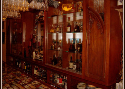 custom-home-bar-cabinets-5