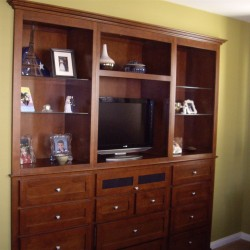 Bedroom wall unit cabinet in San Marcos Ca. Shaker doors and drawers.