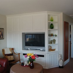 White lacquer wall unit with clipped corner