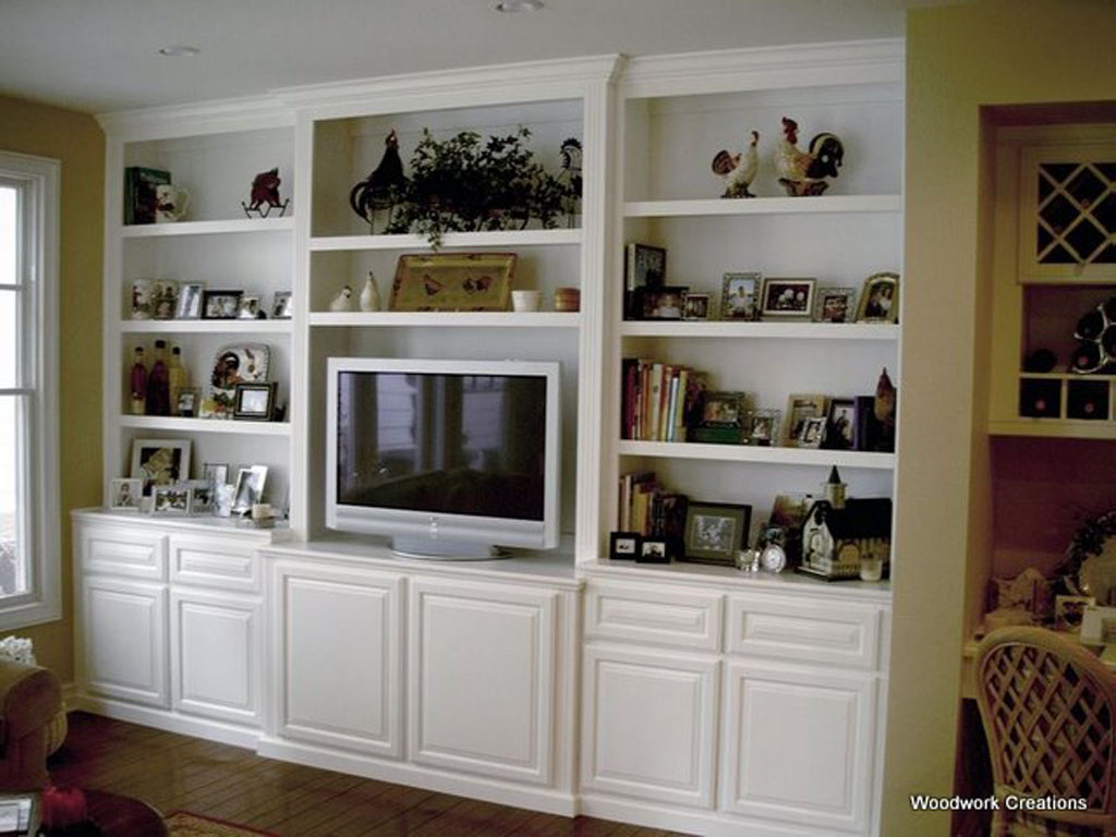 Built in entertainment center built ins and entertainment for Built in wall units