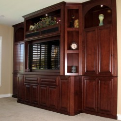 Beautiful upstairs LOFT unit. Maple with Light Fruitwood Stain