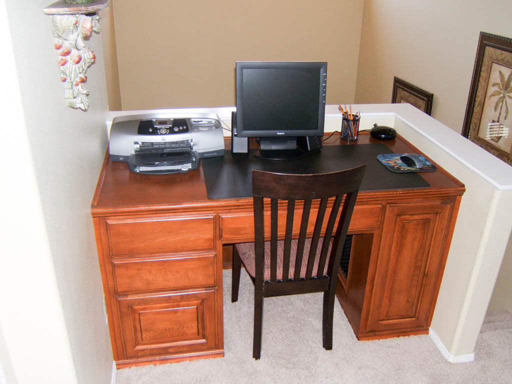 Custom home office in Laguna Hills. Custom Home Office Cabinets in Southern California