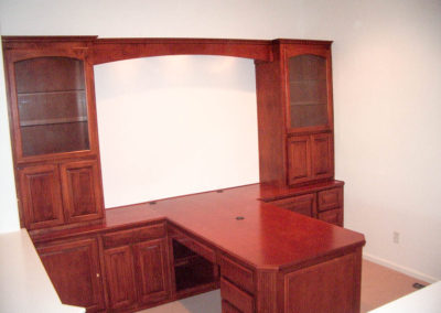 Built in home office desk in Irvine
