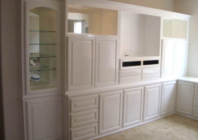 White custom cabinets in Lake Forest