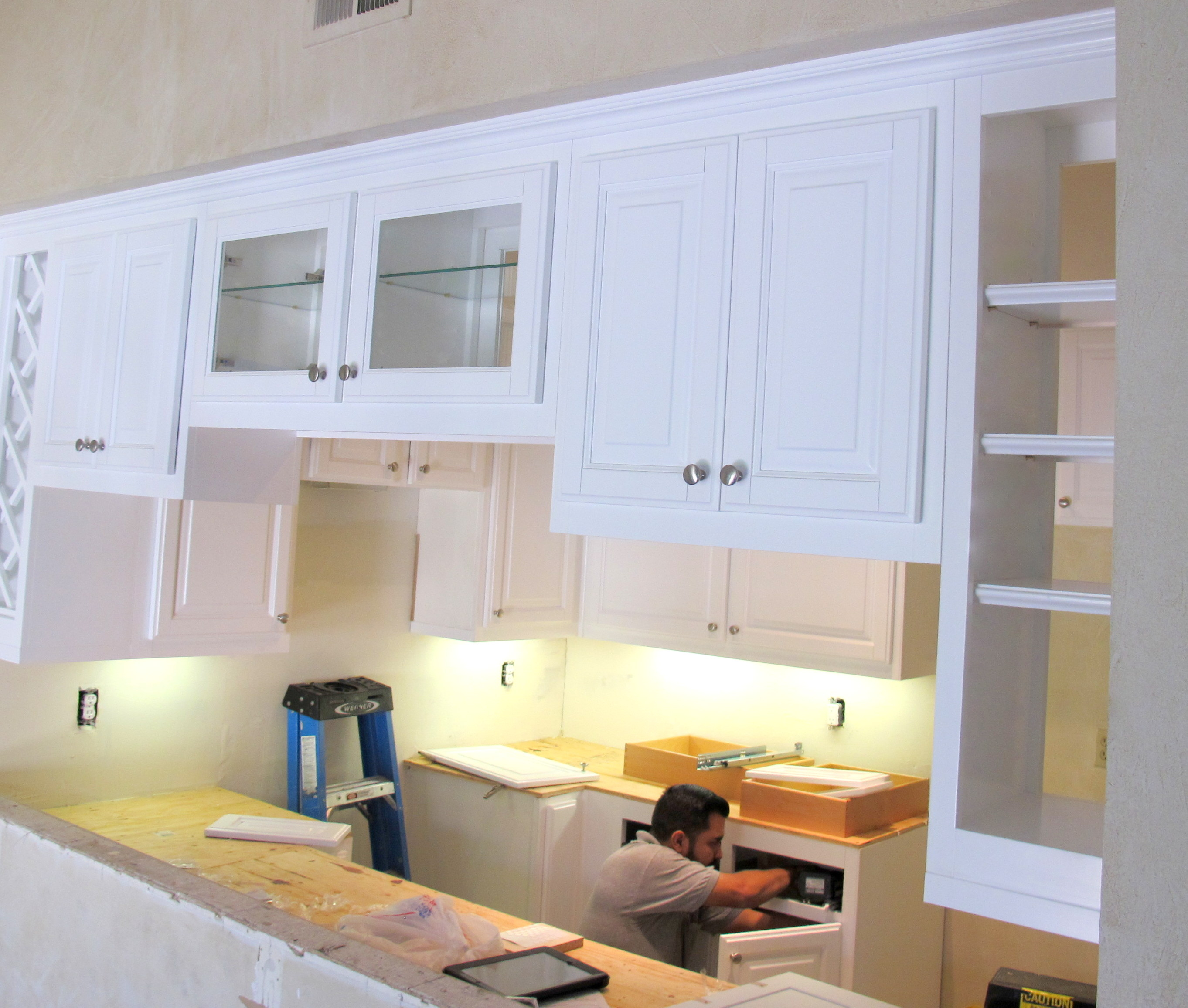 Kitchen Cabinets And Installation: White Kitchen Cabinet Installation