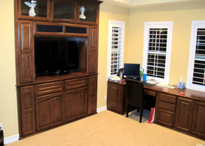 Wall unit and work center in Irvine